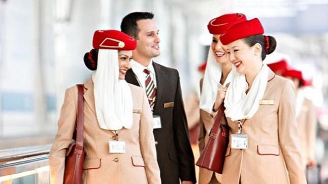 طيران الإمارات تعتزم توظيف 3000 من المضيفين الجويين و500 في خدمات المطار خلال الأشهر الستة المقبلة لدعم العمليات