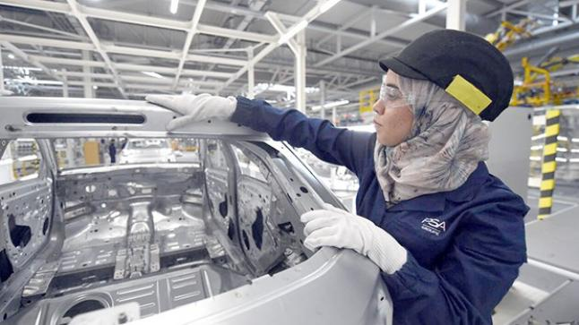 صالير سميك + علاوات مصنع Peugeot Citroën يعلن عن حملة توظيف 300 عامل وعاملة